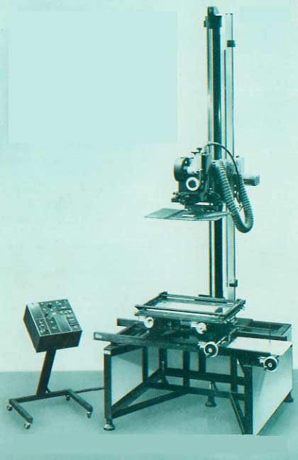 Oxberry filmaker animation stand for Animation stand